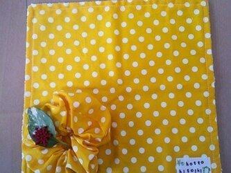 黄色の水玉タオルしゅしゃのセットの画像