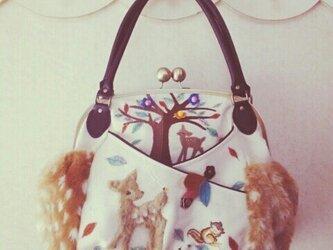 ✿森のバンビとお花✿特大✿ターシャンのがま口バッグの画像