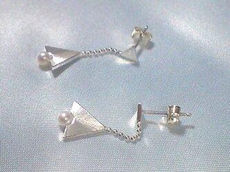 triangle△パール ピアスの画像