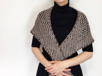 パリの糸で編む大人の三角ショール Bの画像