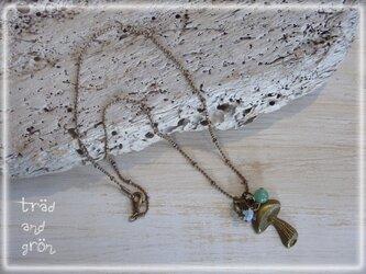きのこ&天然石のネックレスの画像
