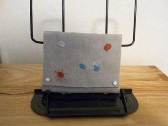 ポケットティシュケースたち  その1  リネンにちょっぴり刺繍の画像