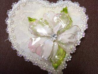アメリカンフラワー小花ブローチの画像