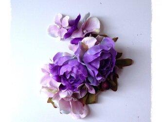 紫陽花とローズのイヤーフック F (パープル)左耳用の画像