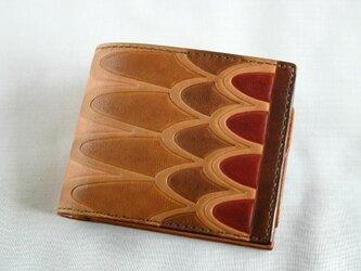 手染め手縫い革の二つ折り財布 翼の画像