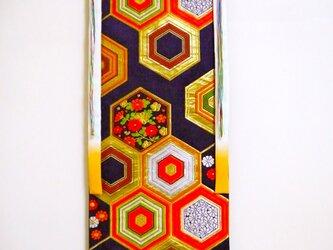 帯タペストリー 亀甲菊2の画像