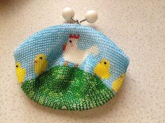《オーダー品》ビーズ編みがま口財布 にわとり&ひよこ親子柄の画像