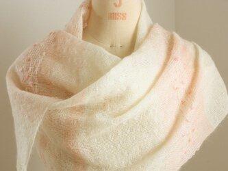 手織り 白地のストール   ピンク#2の画像