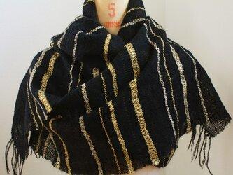 手織り 黒地にラメのストールの画像