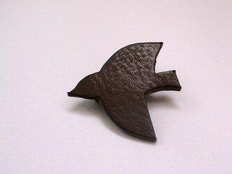ブローチ - bird -(チョコ)の画像