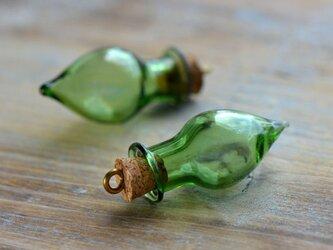パーツ ガラス瓶 グリーンの画像