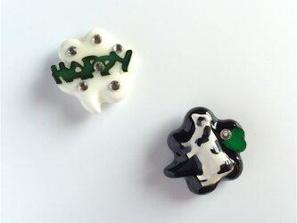 happy cow pierced earringsの画像