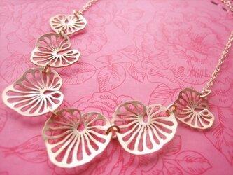 蓮の葉ネックレスの画像