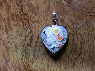 【ハート形】ビーナスのシェルカメオ<七宝象嵌>ペンダントヘッドの画像