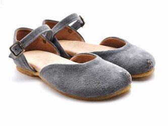 plie sandalsの画像