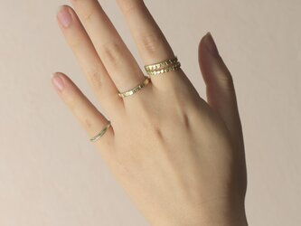 《4個セット》真鍮の小粒幾何学モチーフリング〈丸・三角・四角・平打ち・記号・図形・槌目〉Brass,ゴールドの画像