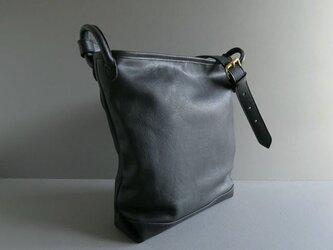 bucket shoulder bag (black)の画像