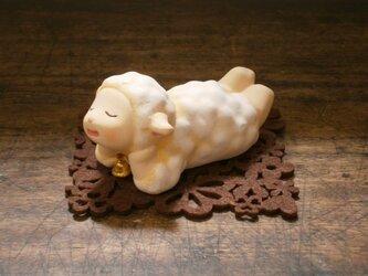 ヒツジの置物 BY博多人形師の画像