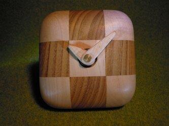 ころんとした時計Aの画像