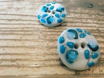 陶器釦 ブローチの画像