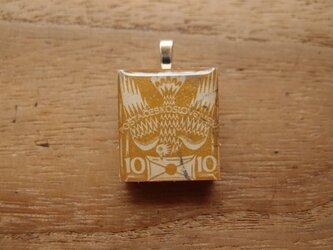 チェコスロバキアの切手を使ったスクラブルタイルペンダントの画像
