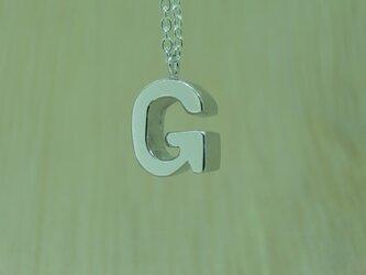 【G】アルファベット文字のペンダント+チェーン付きの画像