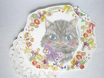 ネコの花飾りグリーティングカードの画像