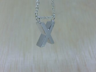 【X】アルファベット文字のペンダント+チェーン付きの画像