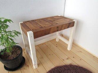 木のベンチの画像