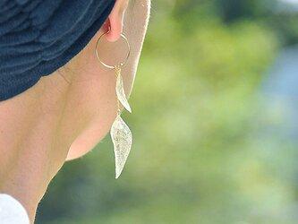 葉っぱのピアス/イヤリング【Wリーフ 片耳用】14kgfの画像
