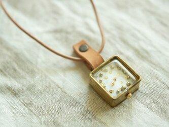 首からさげる時計 dot white s N003の画像