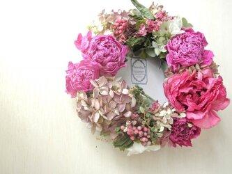 水無月と花々のwreath-牡丹と芍薬-の画像