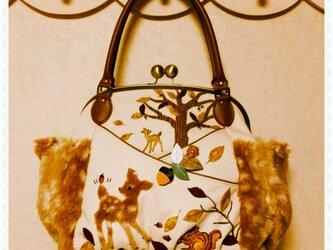 ✿森のバンビとどんぐり✿特大✿ターシャンのがま口バッグの画像