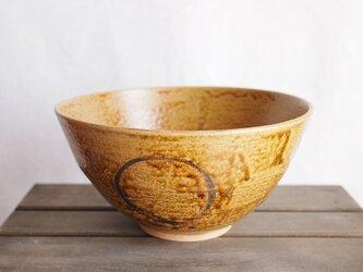 ○X模様の鉢の画像