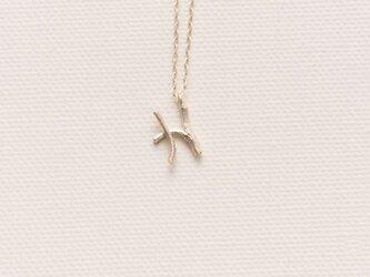 小枝のイニシャル ブランシェイニシャルチャームネックレスHの画像