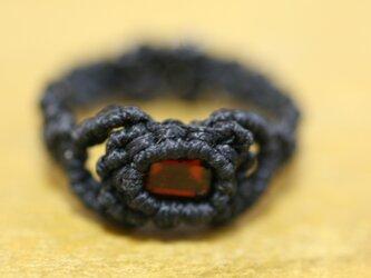 ガーネットのマクラメ編み 天然石リングの画像
