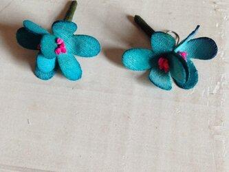 花摘みピアス B-grの画像
