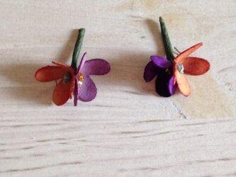 花摘みピアス B-prの画像