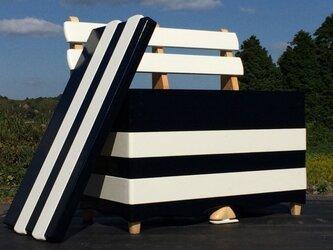 ベンチ型収納箱の画像