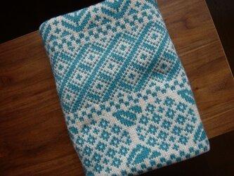 編み込みのひざ掛け アナベル ベージュ×水色の画像
