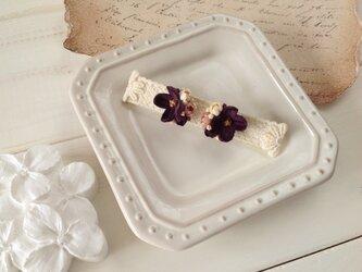染め花の小花と蕾のピアスA(ムラサキ)の画像