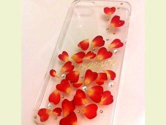 本物のお花ハート型バラのiPhoneケースの画像