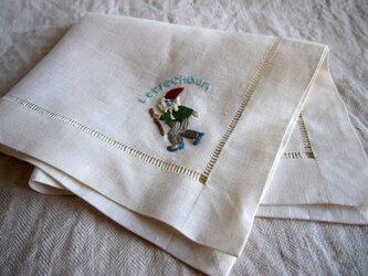 アイリッシュリネンにレプラコーンの刺繍のマルチクロスの画像