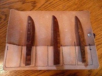 木目がきれいな小さい木製ナイフ3本セットの画像