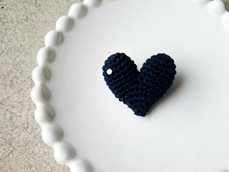 """【再販】""""HEART"""" brooch(ネイビー)の画像"""