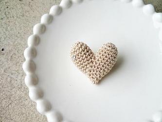 """【再販】""""HEART"""" brooch(ベージュ)の画像"""