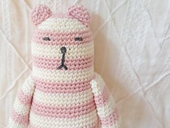 amigurumi*クーマ(ピンク×白)の画像