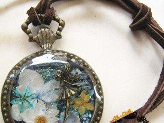 妖精の懐中時計風ネックレスの画像