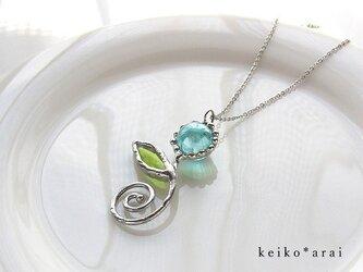 【sold】ステンドグラスのネックレス・一輪の花**hの画像