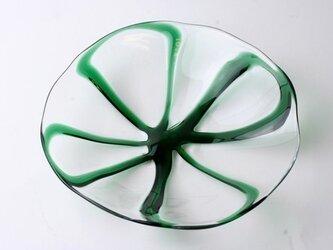 四つ葉のお皿の画像
